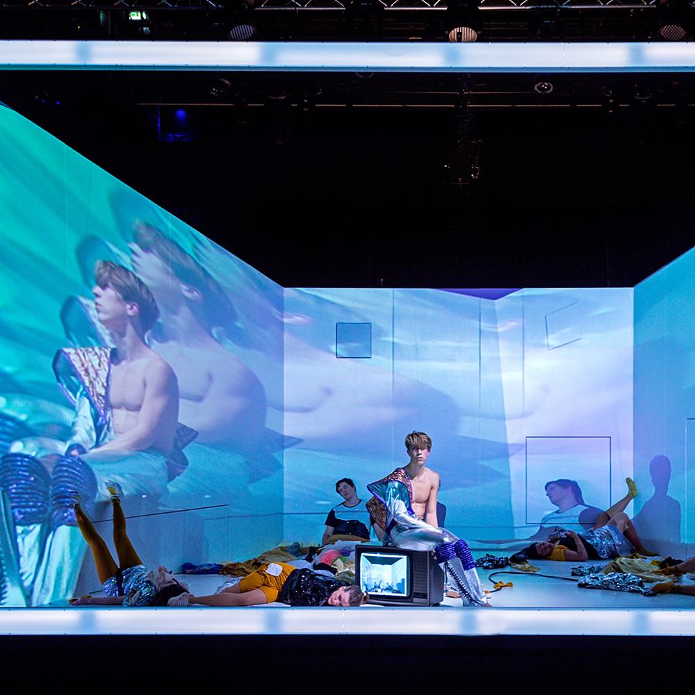 Electric Dreams - eine Oper entführt im Rahmen des steirischen herbst in die 1980er-Jahre.